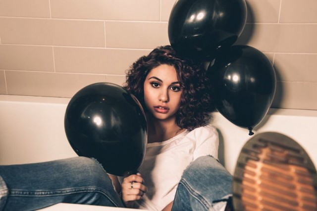 alessia cara, singer, songwriter
